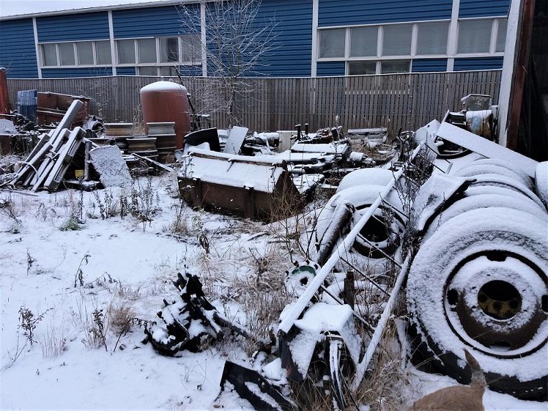 Lumi peittää maisemaa